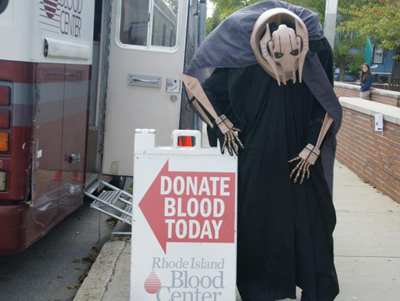 Naturally, General Grievous took a liking to the bloodmobile.