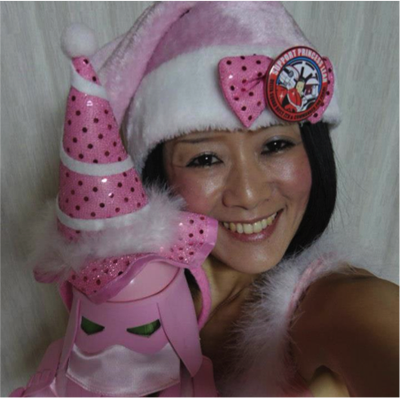 Pinky SnowTrooper of the Japanese Garrison (l) and Santa Trooper of the Redback Garrison (r) 