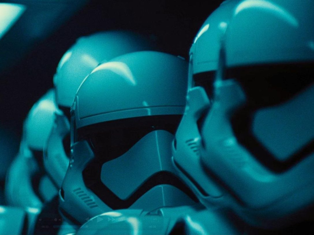 The Force Awakens - Finn with other stormtroopers
