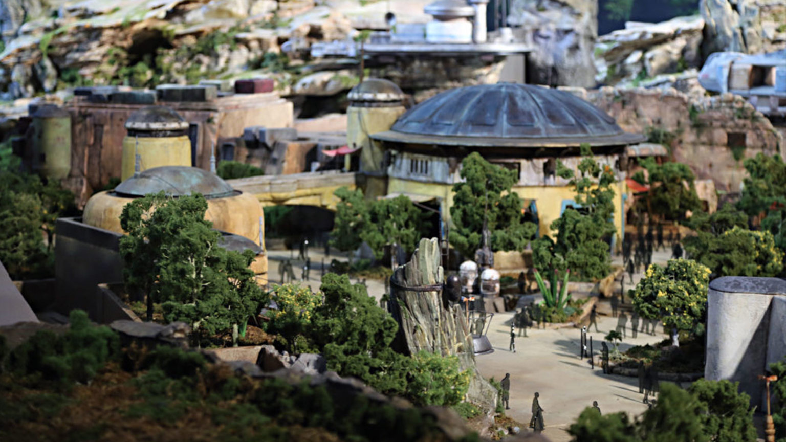Poll: What's the Coolest Part of Star Wars: Galaxy's Edge ...