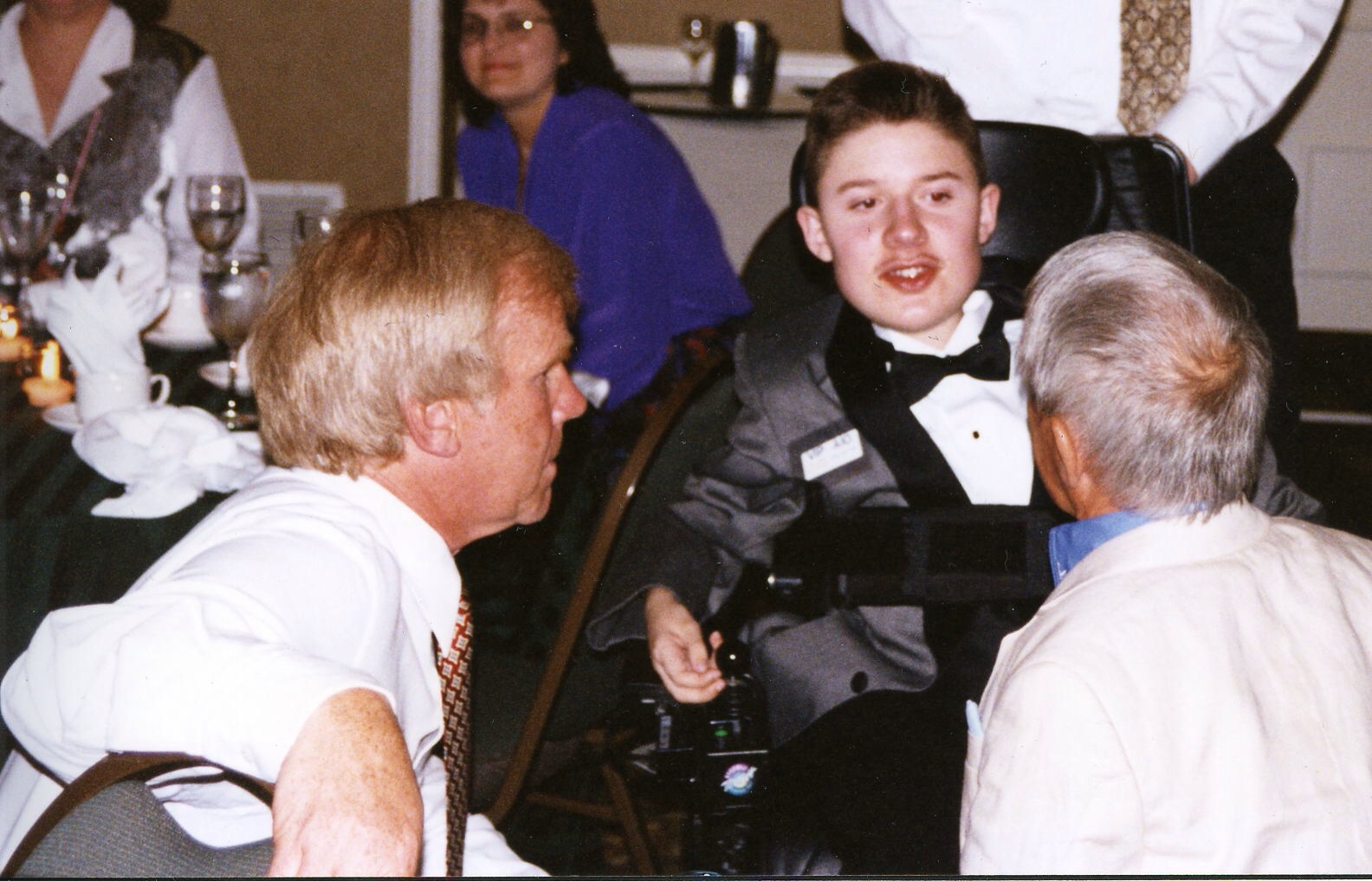 Ben with Jeremy Bulloch (left), Artoo, and Kenny Baker (right), Men Behind the Mask Dinner, 1997 Hackensack <i>Star Wars</i> convention.