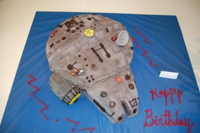 Millennium Falcon cake by TK Peggy