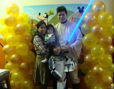 The Medoza family dressed as Star Wars characters