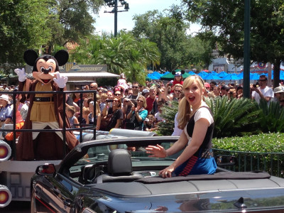 Ashley Eckstein was right in front of me!  So was Jedi Mickey!