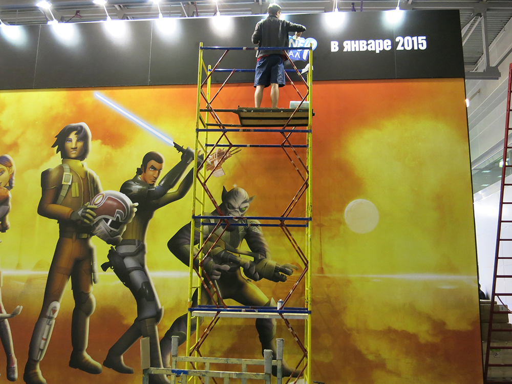 Our larger-than-life Rebels graphic on the back of the Endor bunker faced the very popular Comic Con stage, where the cosplay and celebrity appearances took place over the weekend.