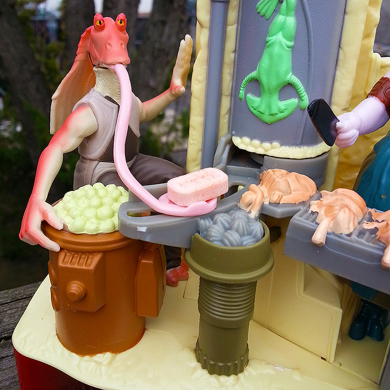 Jar Jar Pez close-1