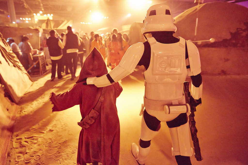Star Wars stormtroopers and jawas