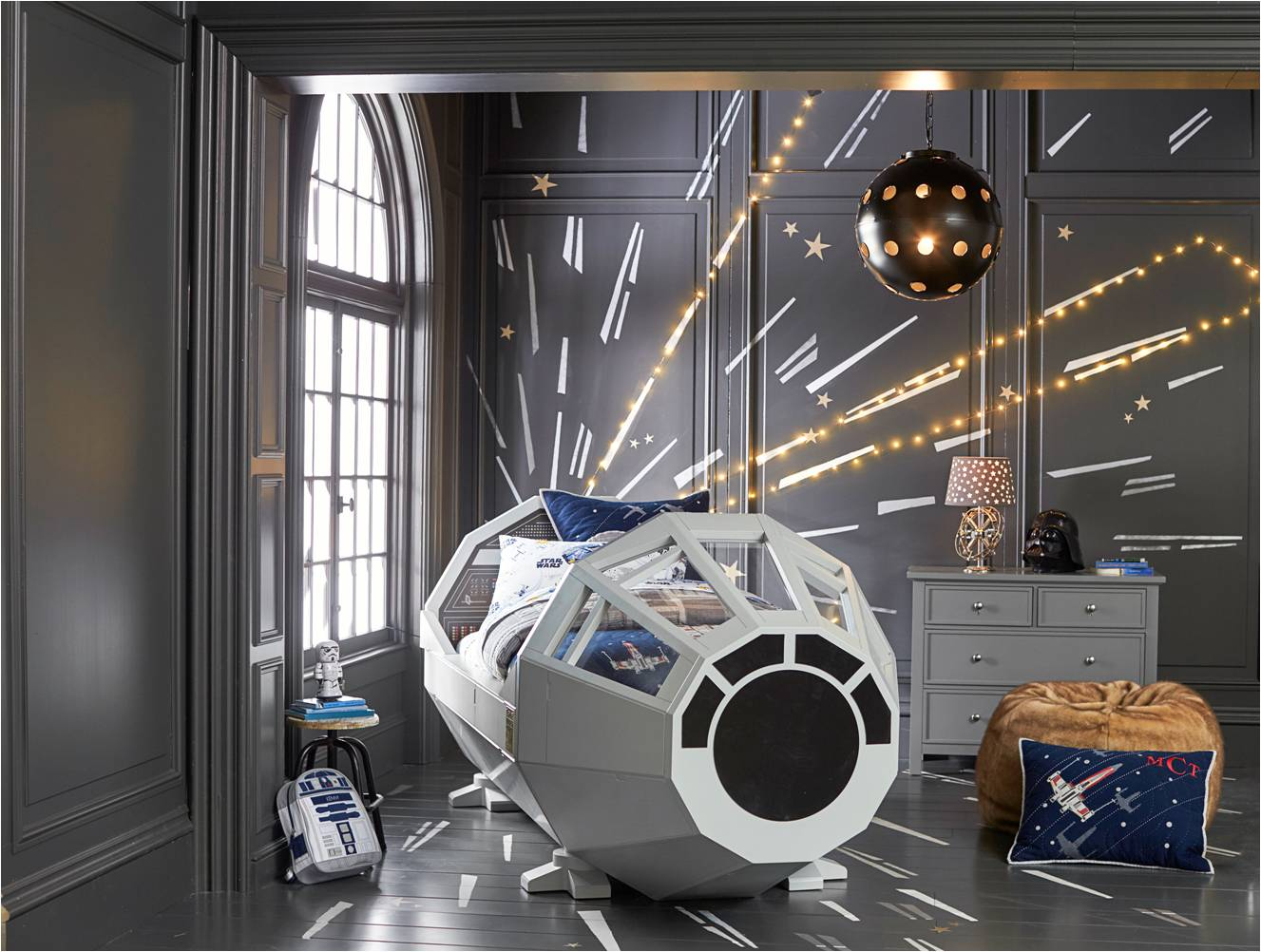 Pottery Barn - Star Wars Bed