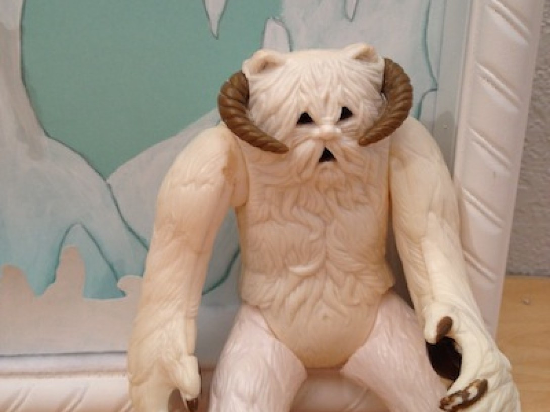 wampa-sitting-in-the-corner