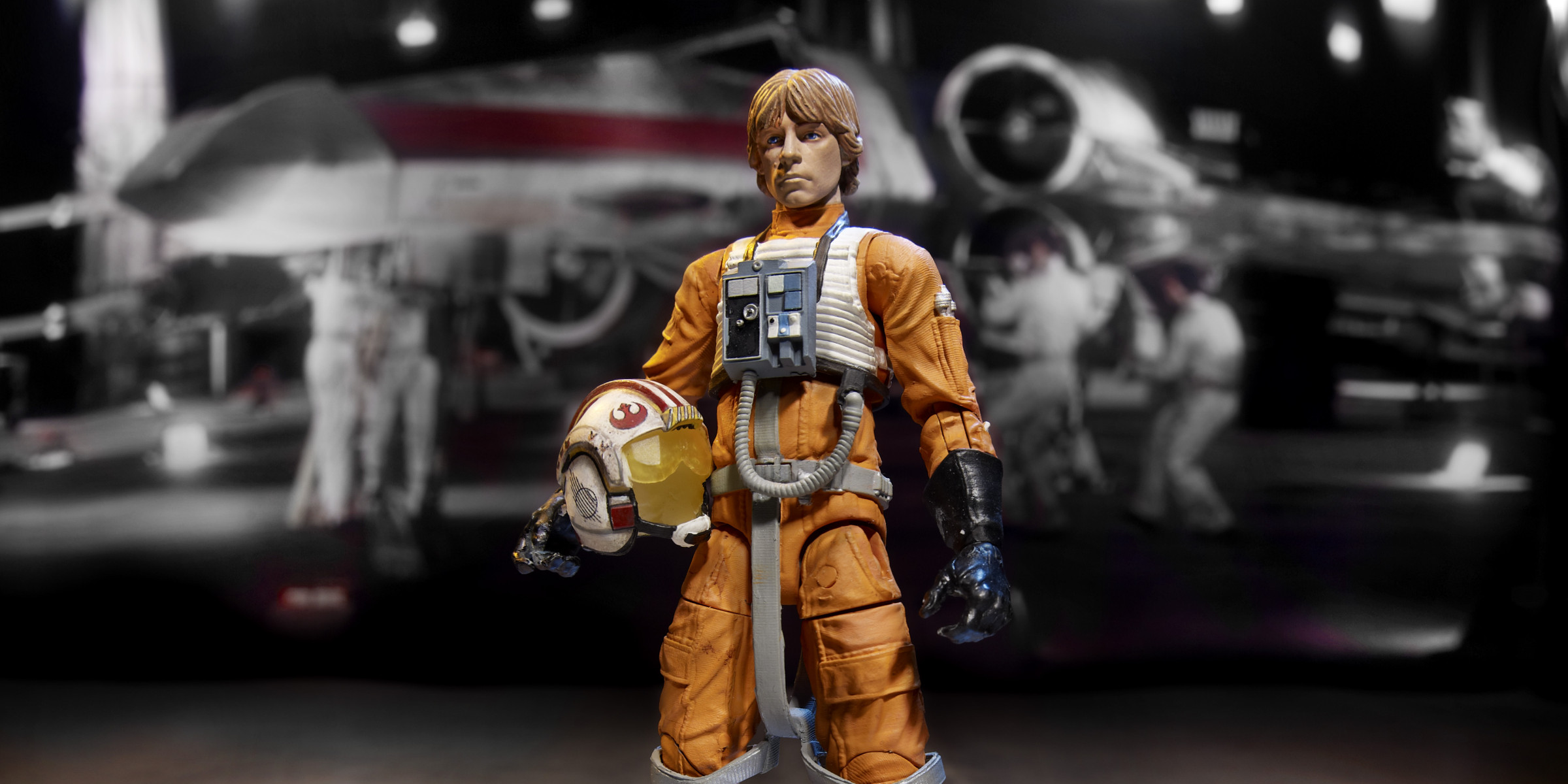 6in-Luke-helmet-under-arm