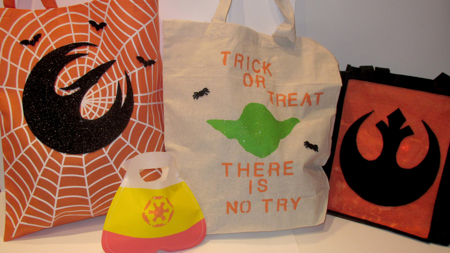 Diy Halloween Trick Or Treat Bags.Diy Star Wars Trick Or Treat Bags Starwars Com