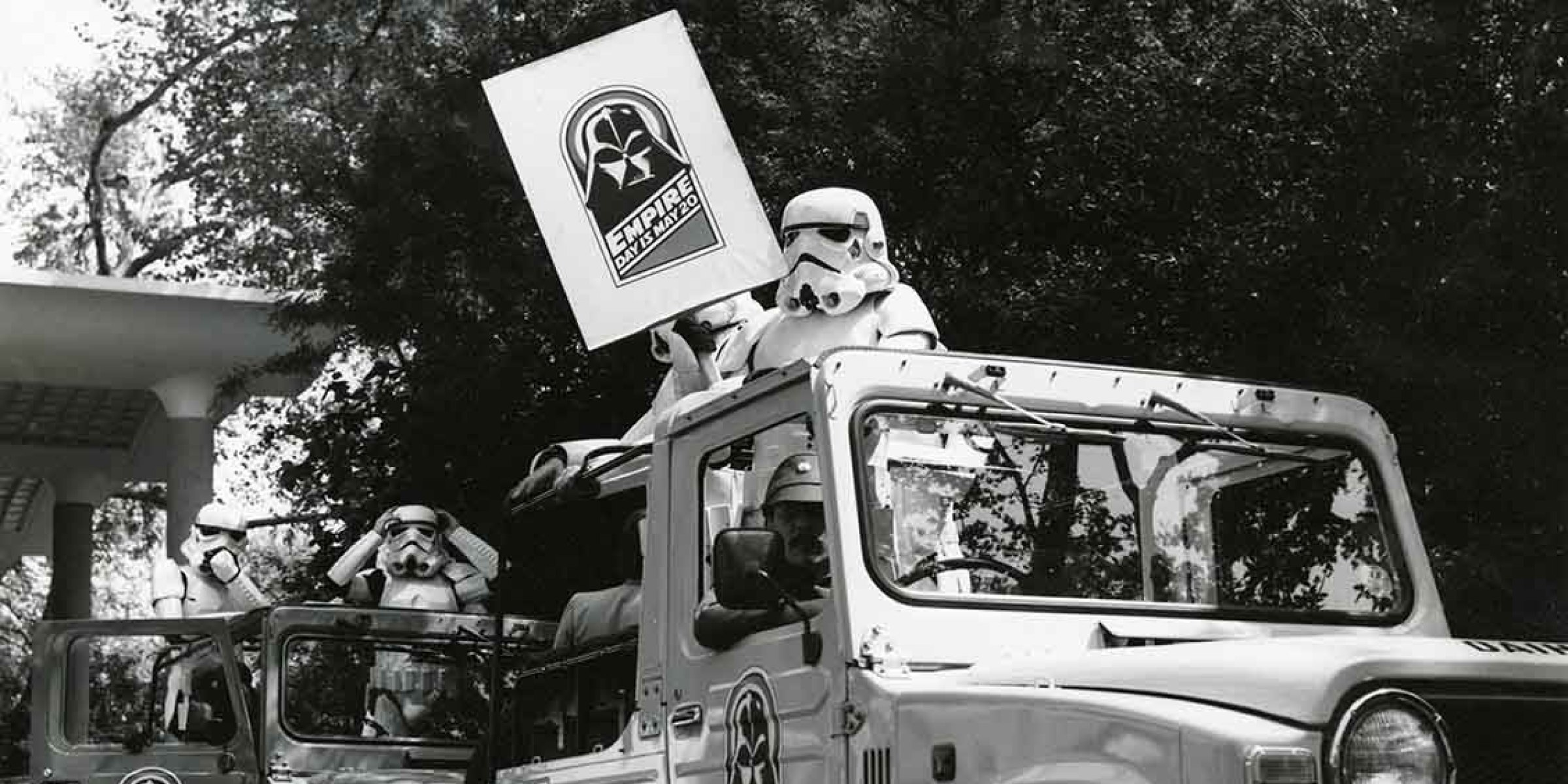 Jeeps hauling a legion of Stormtroopers must have been quite a site for Londoners during the premiere of The Empire Strikes Back in 1980