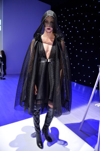 World MasterCard Fashion week - Star Wars outfit