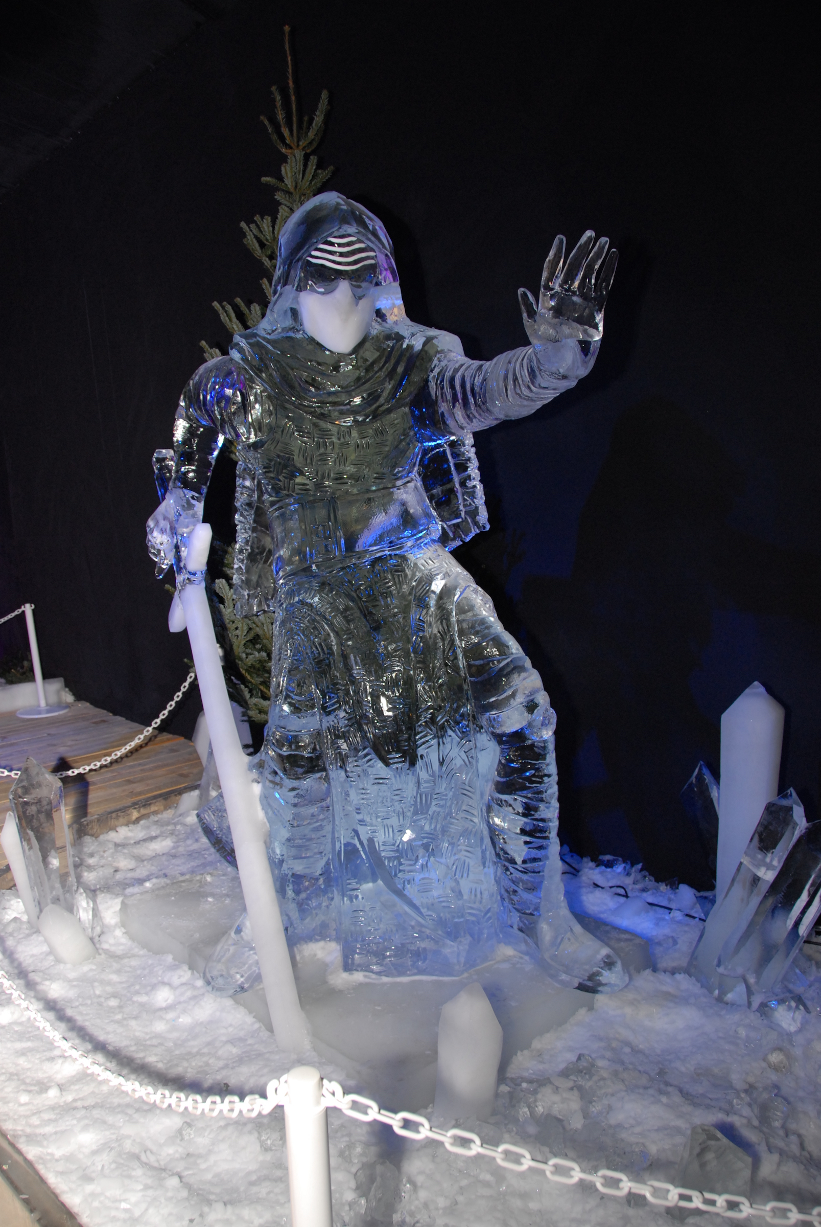 Star Wars Ice Sculptures Come to Belgium, and They're ...