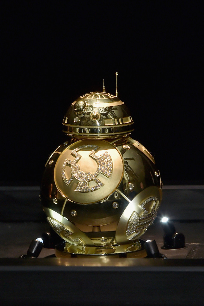 Force 4 Fashion - Kay Jeweler's custom BB-8 on display
