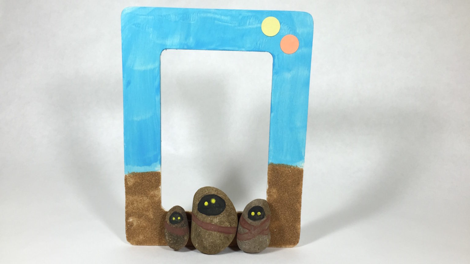 Star Wars Craft: Jawa Picture Frame | StarWars.com