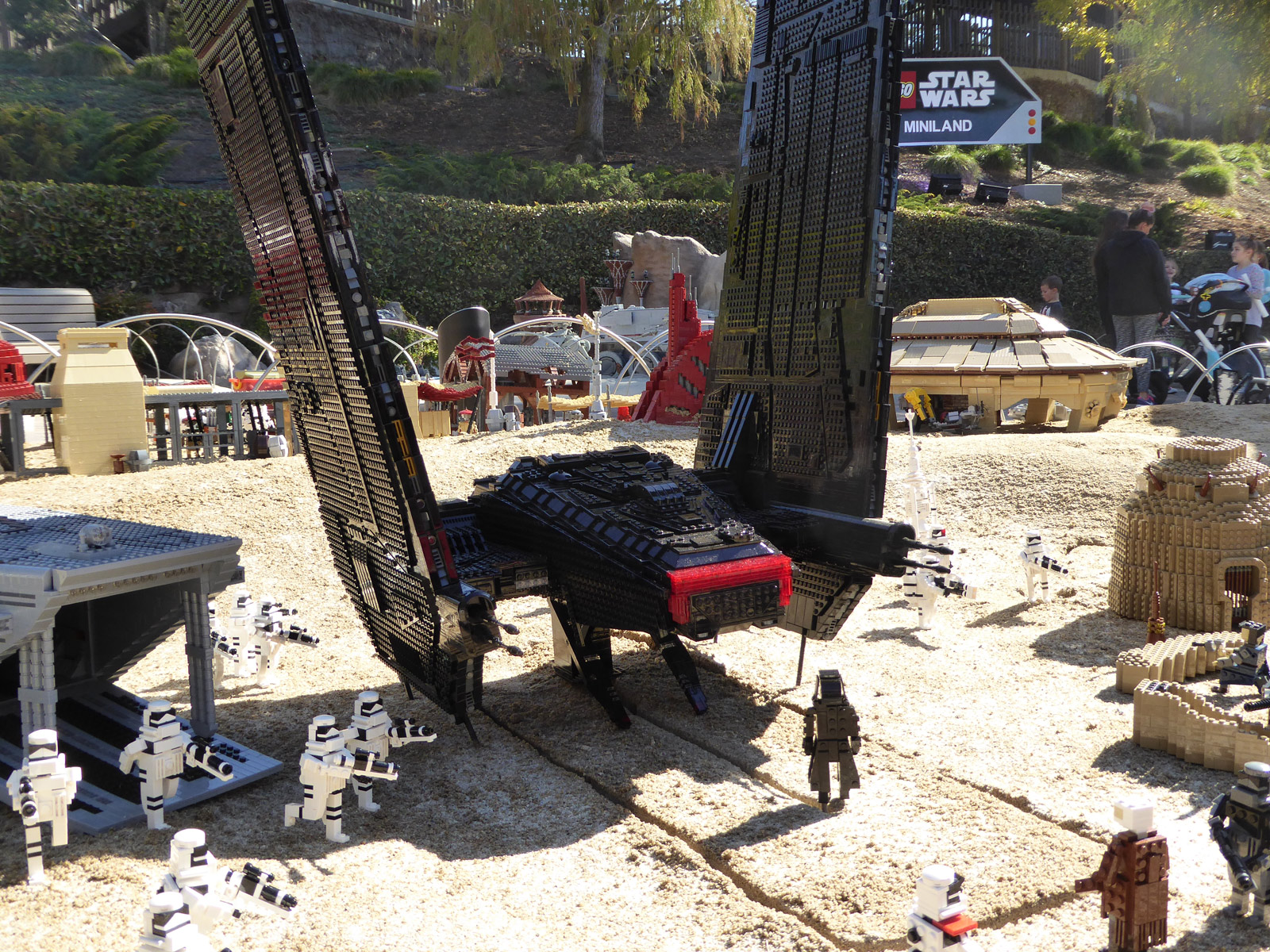 7 Bricktastic Details About Legoland Californias New The Force
