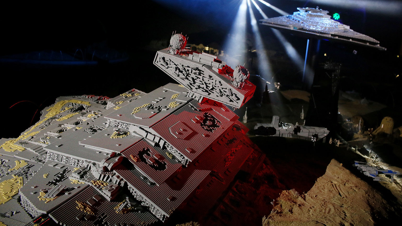 7 Bricktastic Details About LEGOLAND California's New The