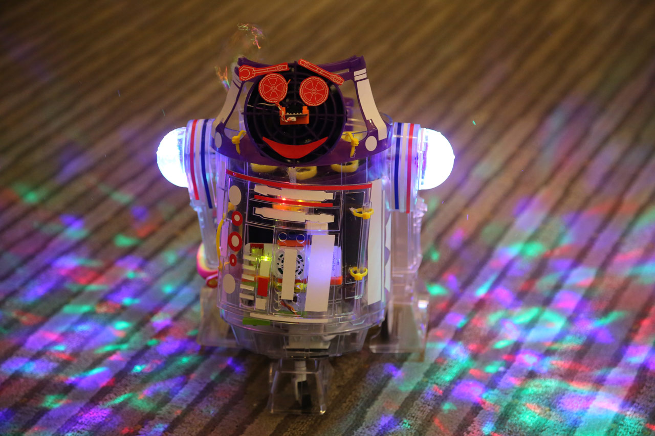 The Story Of Littlebits Droid Inventor Kit Snap Circuits Space Battle Recently Sat Down With Director Product Design Krystal Persaud Whos Also Designer And A Longtime Star Wars Fan