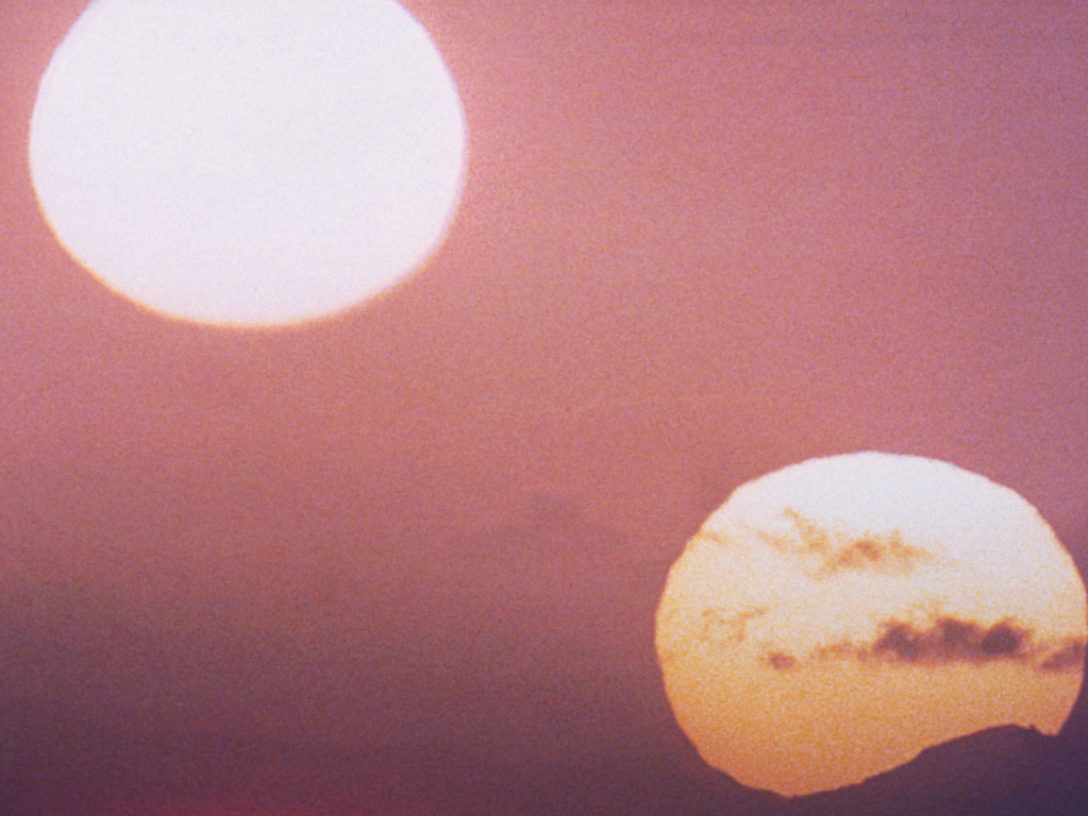 Twin suns setting on Tatooine in Star Wars: A New Hope