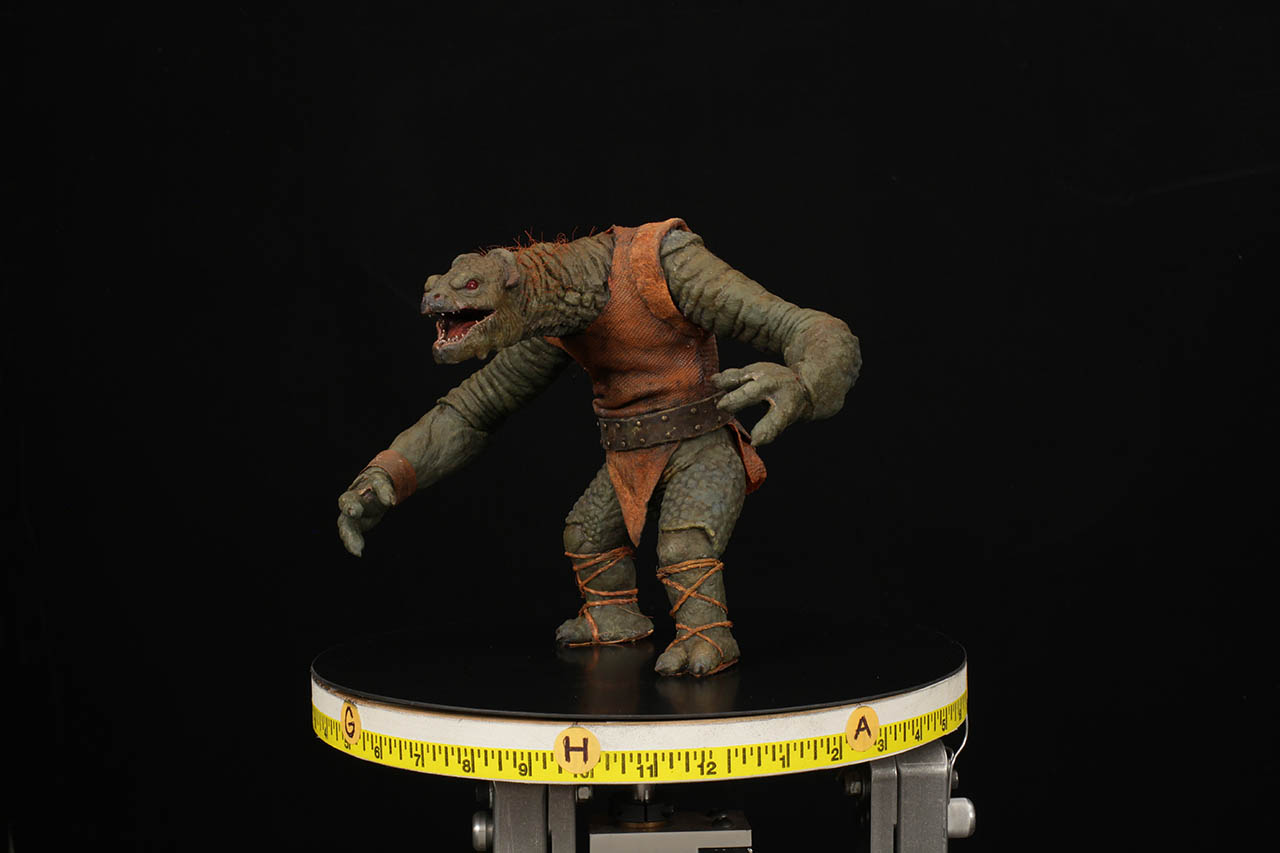 Tippett Studio shows off the puppet called Mr. Big, from the holochess set.