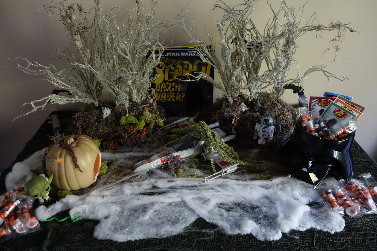 Mud Hole Slimy A Star Wars Halloween Mood Table This Is