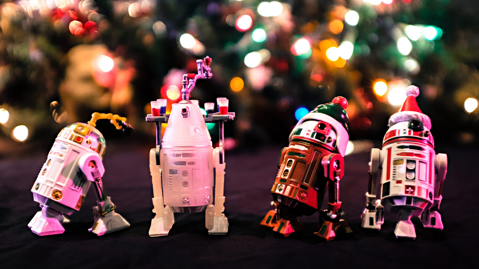 Disney Parks holiday droids.