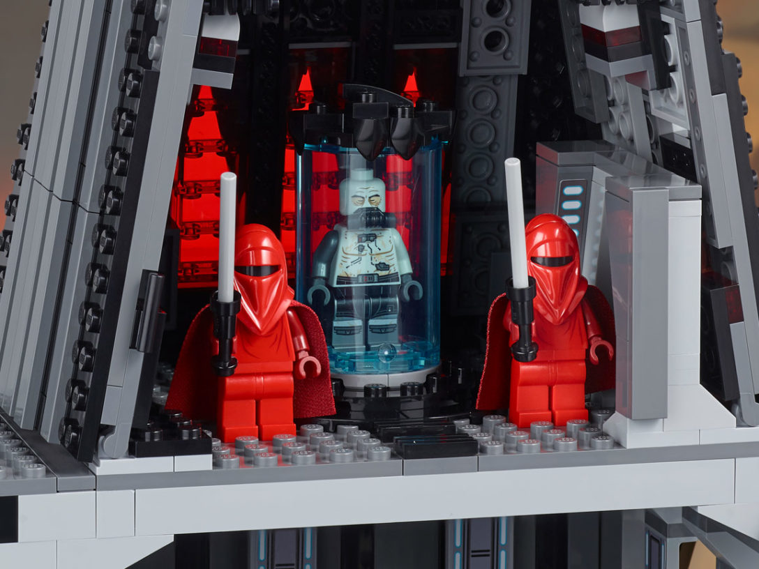 LEGO Star Wars Darth Vader's Castle - bacta tank.