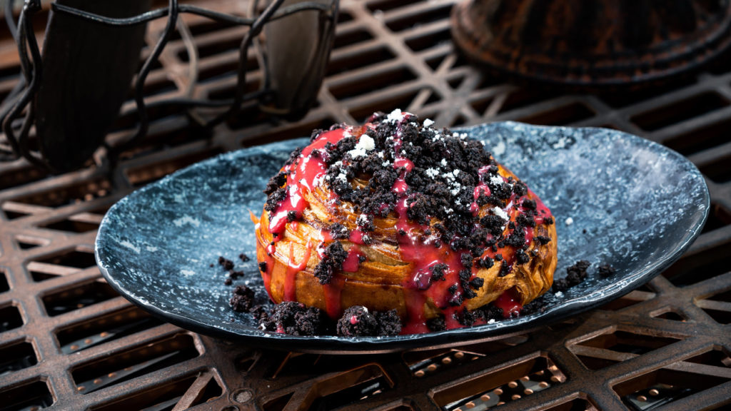 Indulge in the Mustafarian Lava Roll - a sweet galactic delight that can be found at Docking Bay 7 Food and Cargo and Oga's Cantina. (David Nguyen/Disney Parks)