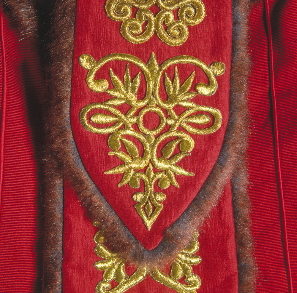 Queen Amidala throne room gown detail
