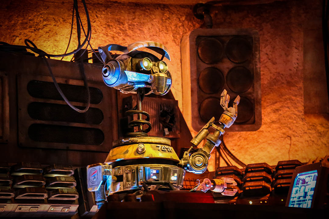 DJ-R3X inside Oga's Cantina at Star Wars: Galaxy's Edge.