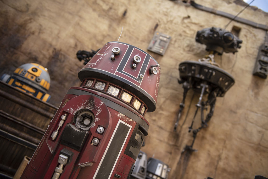 Droid at Galaxy's Edge