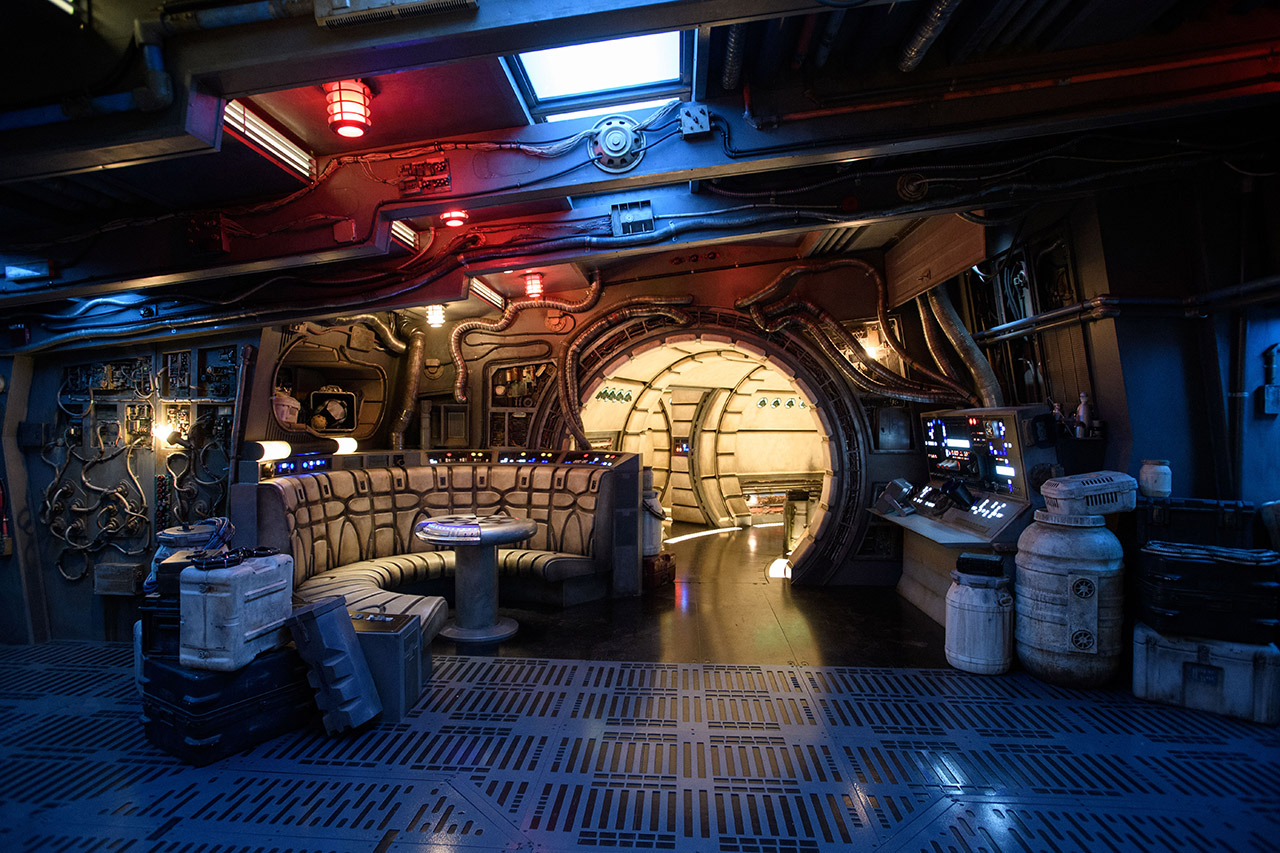 The hold inside Millennium Falcon: Smugglers Run.