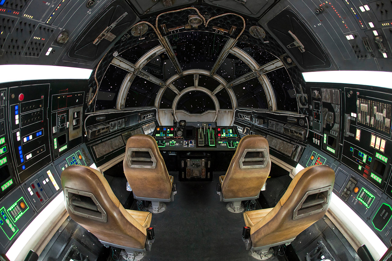 The cockpit inside Millennium Falcon: Smugglers Run.