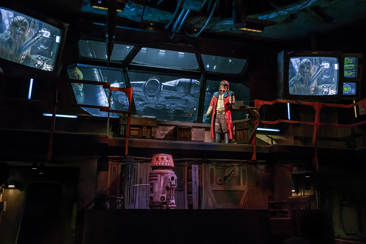 Hondo Ohnaka provides directions inside Millennium Falcon: Smugglers Run.