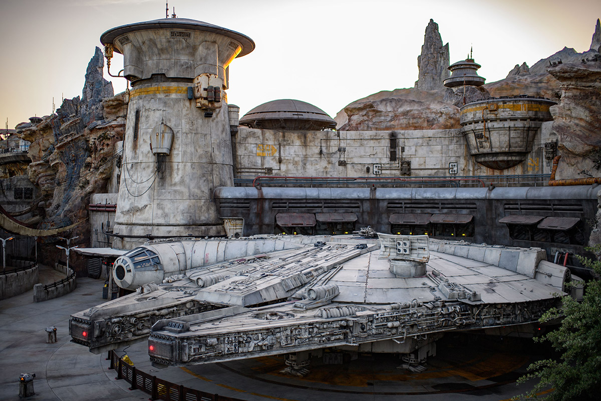 The outside of Millennium Falcon: Smugglers Run.