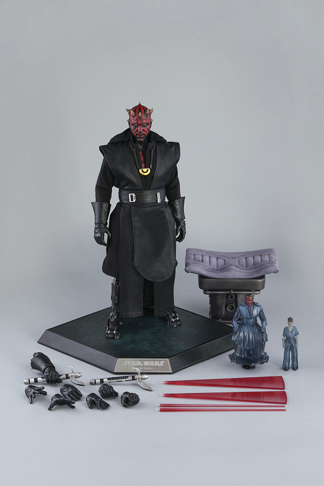 Hot Toys' Maul figure and accessories