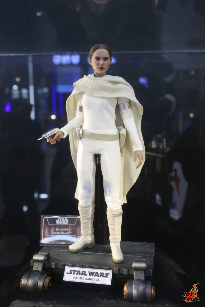 Hot Toys' Padmé Amidala figure