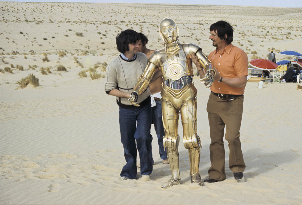 Anthony Daniels behind the scenes of Star Wars