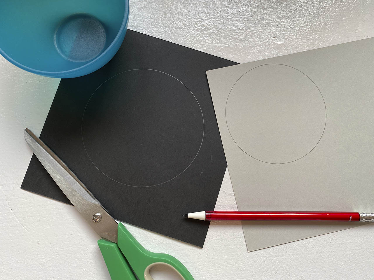 Trace and cut circle for ornament