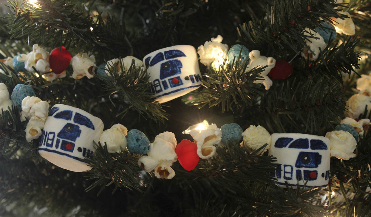 Artoo garland on tree