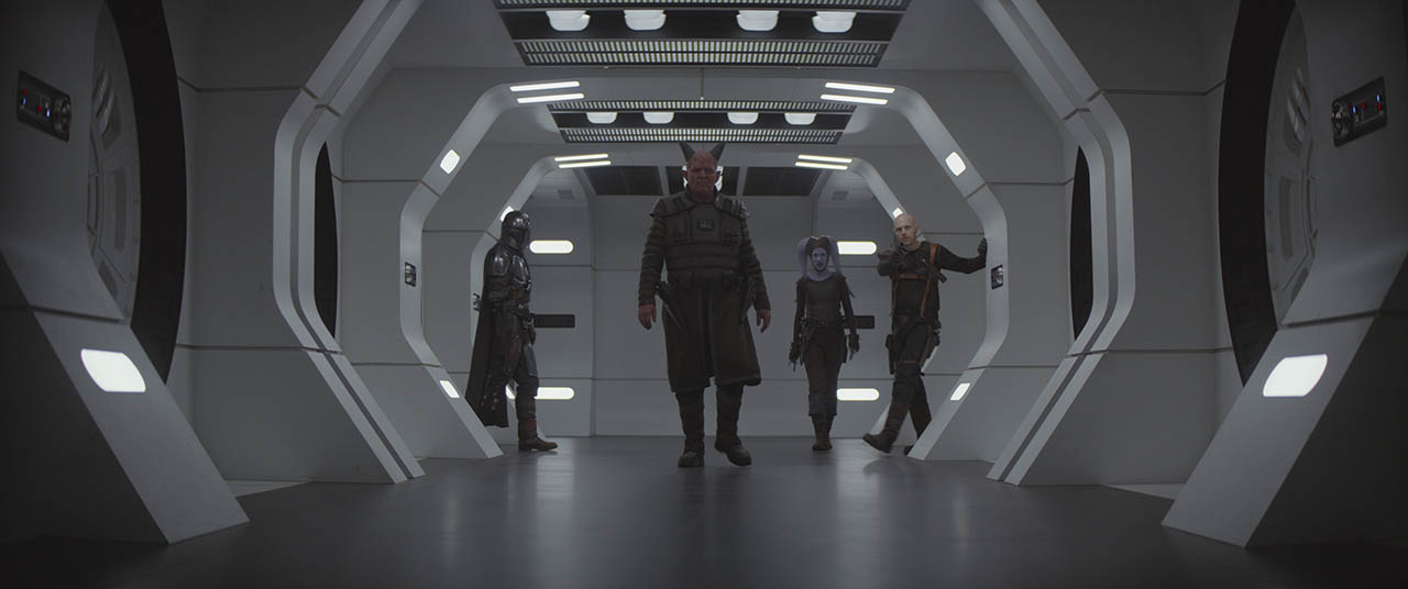 The Mandalorian and crew on New Republic ship