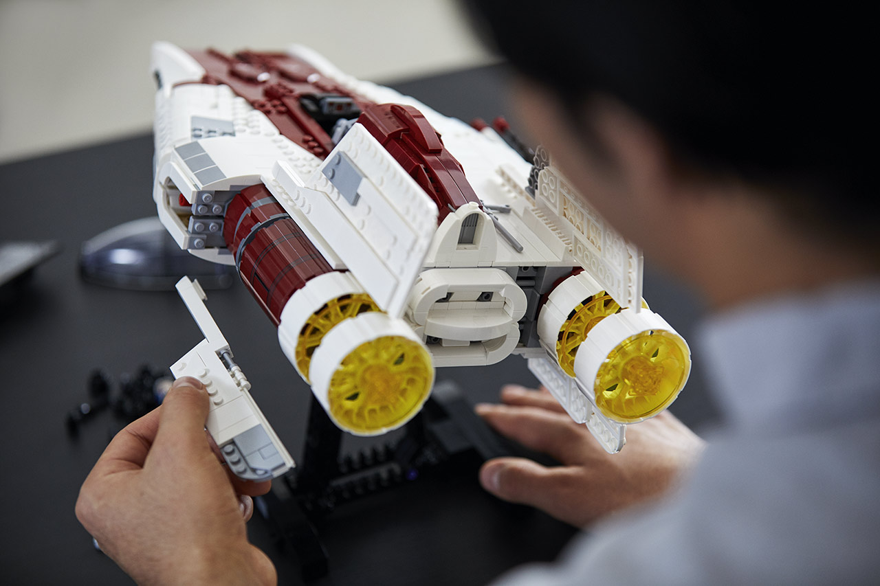 LEGO Star Wars A-wing Starfighter being built