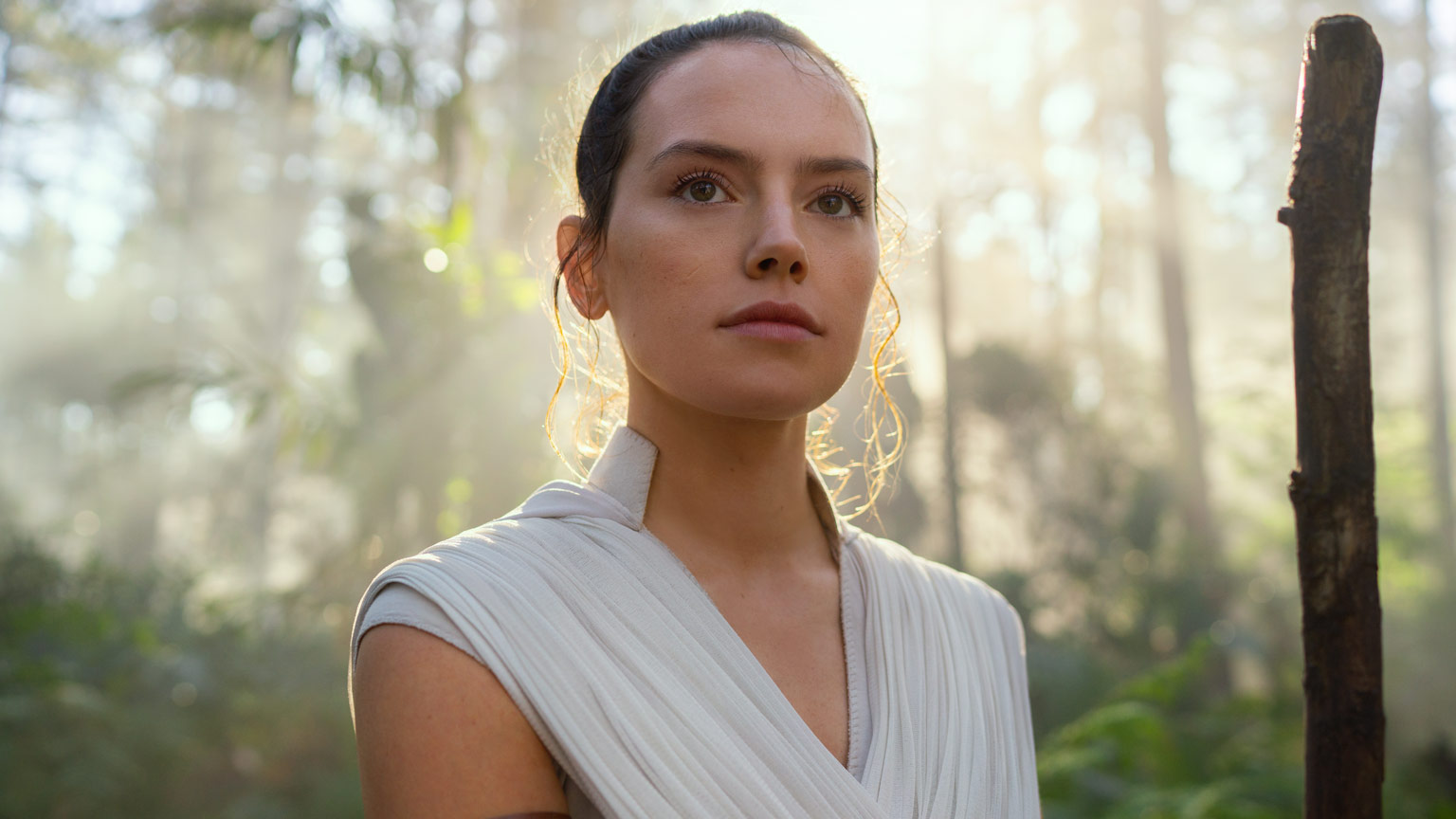Rey training in Star Wars: The Rise of Skywalker