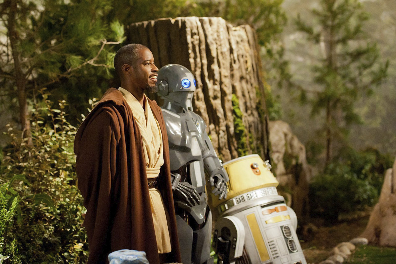 Jedi Master Beq (Ahmed Best) oversees the action with his droid companions AD-3 (voiced by Mary Holland) and LX-R5.