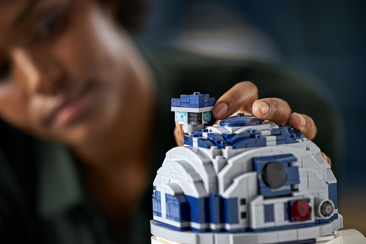 LEGO Star Wars R2-D2 close up