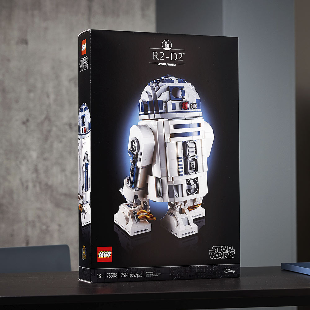 LEGO Star Wars R2-D2 box