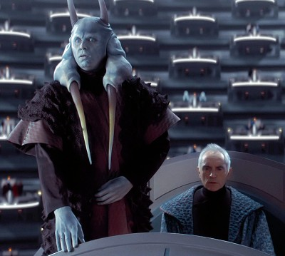 Mas Amedda, soon to betray Chancellor Finis Valorum (right).