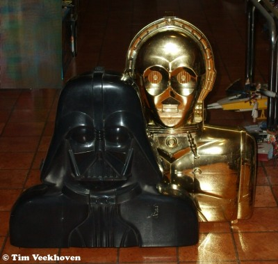 Darth Vader and See-Threepio carrying cases