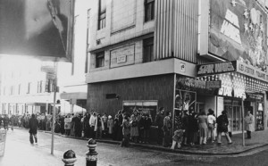 Star Wars 1977 London opening queues